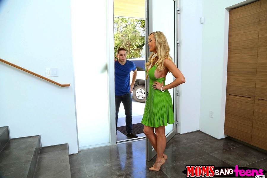 Brandi Love Katy Kiss