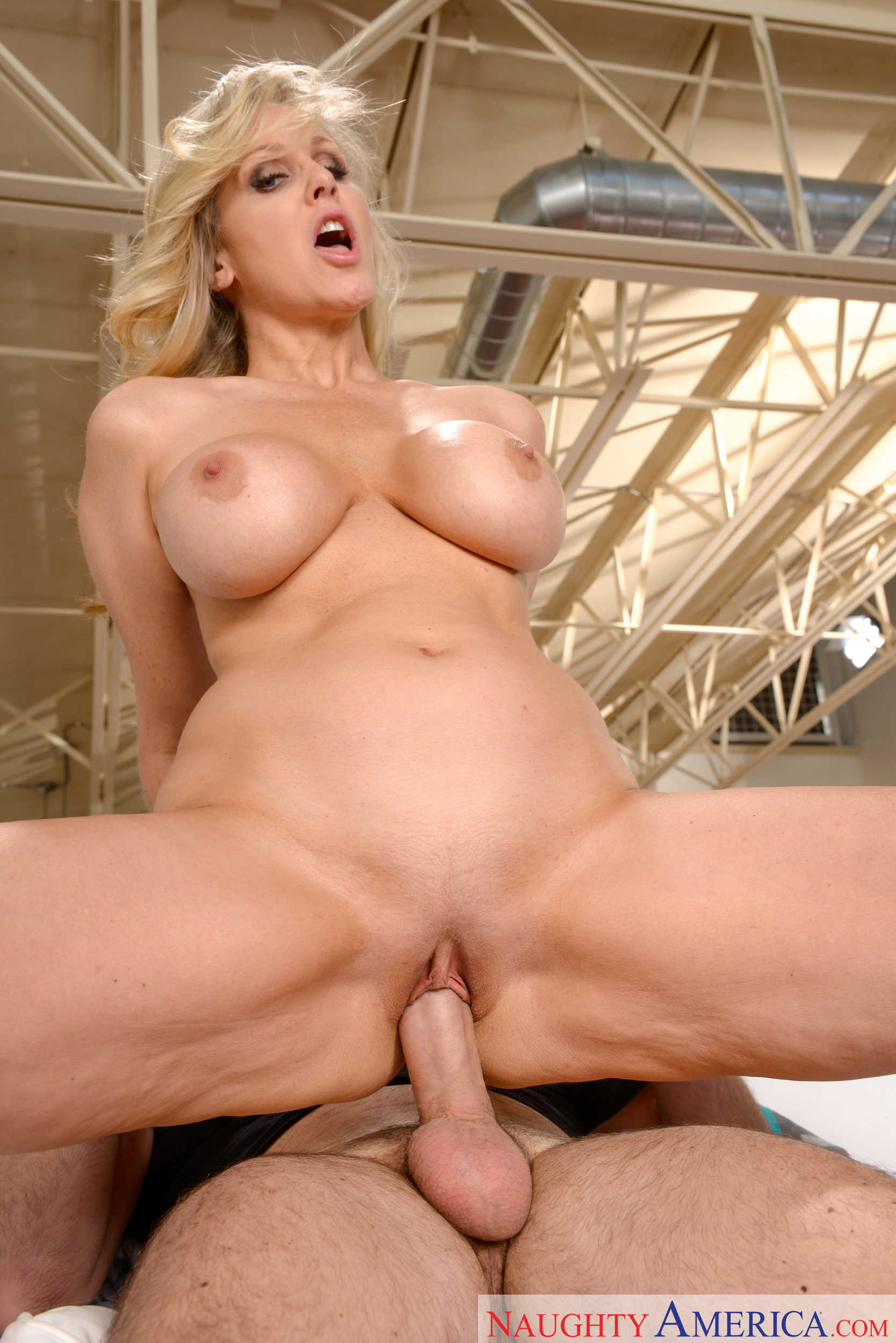 Hot mom sara jay 3g